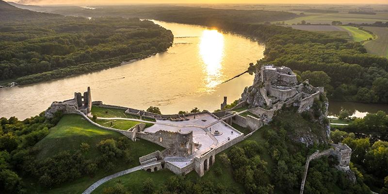 Prehliadka hradu Devín