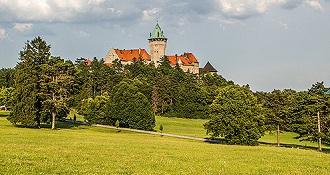 Jednodňové výlety z Bratislavy - Smolenický zámok a Trnava